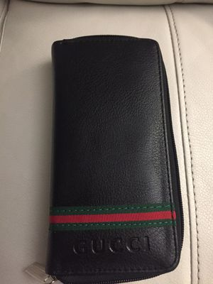 Gucci wallet and phone case for Sale in San Diego, CA