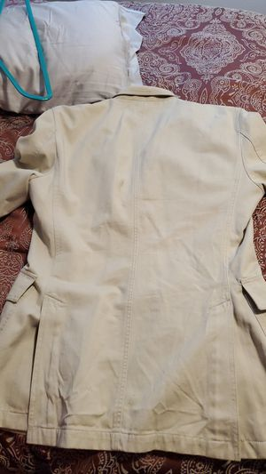 Brand new Mens Burberry Khaki Trench for Sale in Seattle, WA
