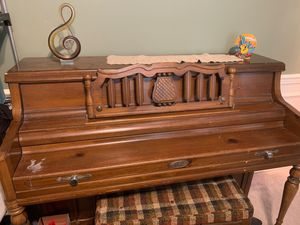 Piano for free for Sale in La Vergne, TN