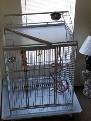 VERY LARGE BIRD CAGE..USED FOR A WEEK STILL NEW..FOR BIG PARROTS for Sale in Columbus, OH