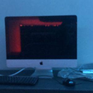 iMac 2010 for Sale in South Brunswick Township, NJ