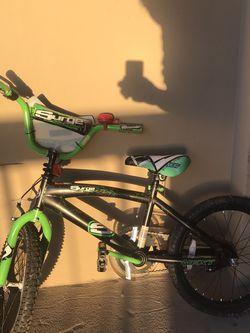 "18"" Kids Bike With Training Wheels for Sale in Falls Church,  VA"