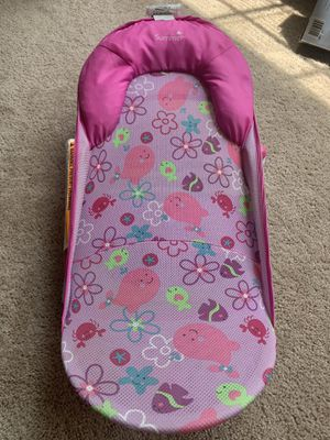 Baby girl bath support for Sale in Jacksonville, NC