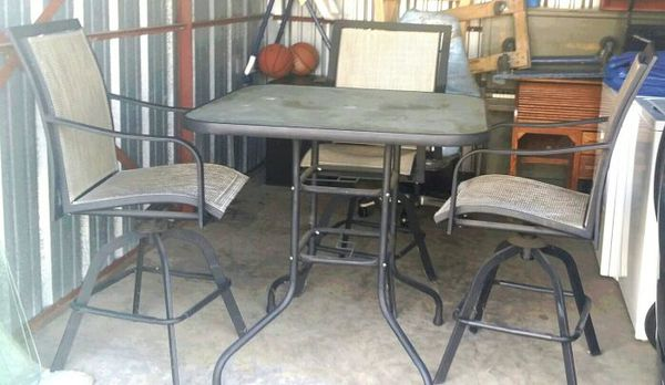 Patio table with chairs NEGOTIABLE