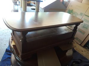 Wood coffee table with shelf for Sale in Columbus, OH