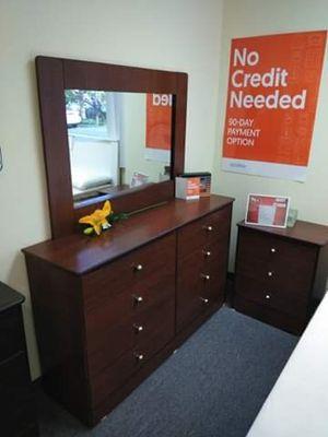 Brand new 8 drawer dresser with mirror for Sale in Hemet, CA