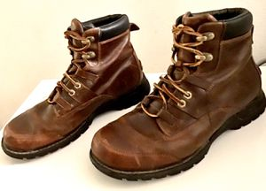 Ahnu Montgomery Leather Hiking Boots in Chocolate Brown. for Sale in Austin, TX