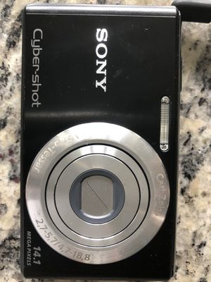 Sony Cybershot with charger + 1gb card for Sale in Cary, NC