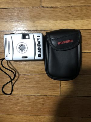 Bell Howell 28Mm Focus Free Pocket Camera W/Case. for Sale in Chicago, IL