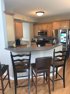 Kitchen cabinets excellent condition. for Sale in Huntley, IL