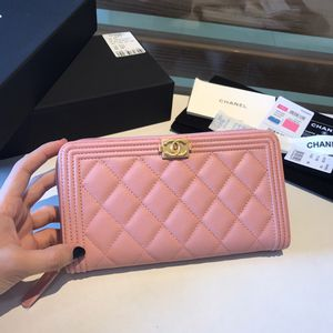 Chanel Pink Wallet for Sale in Beverly Hills, CA