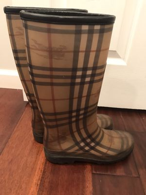 Burberry used women's rain boots sz.38(7-7.5) for Sale in Downers Grove, IL