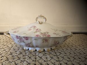 Antique Haviland Limoge Covered Vegetable Serving Dish for Sale in Sully Station, VA