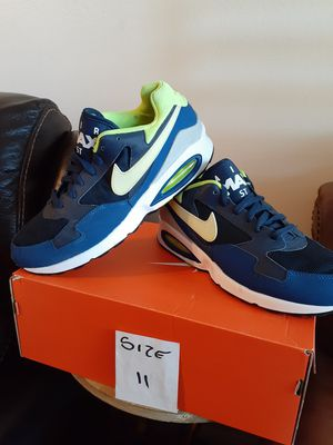 NIKE MAX SIZE 11 FOR MEN for Sale in Highland, CA