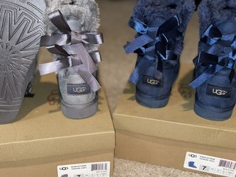 BAILEY UGG BOOTS Adult SIZE 7 BLUE OR GRAY for Sale in Durham,  NC