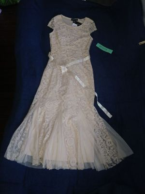 Candalite Petite Shimmery Off-White Gown for Sale in Santa Rosa, TX