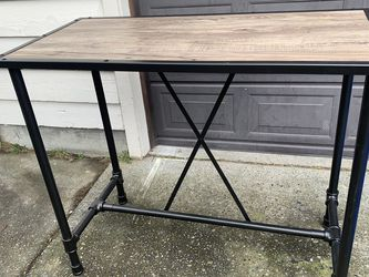 Excellent Condition High Table for Sale in Shoreline,  WA
