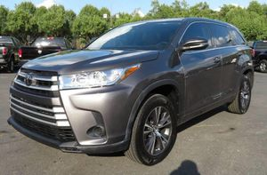 2017 Toyota Highlander for Sale in Whitehall, OH