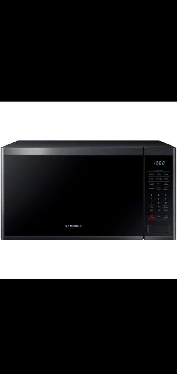 Samsung's 1.4 cu. ft. countertop microwave