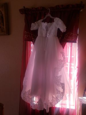 Almost new beautiful girls dress size 7-8 for Sale in Perris, CA