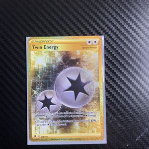 Twin Energy 209/192 - Secret Rare Trainer - Pokemon Sword and Shield Rebel Clash for Sale in Miami, FL