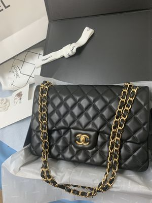 Chanel classic double flap bag for Sale in Staten Island, NY