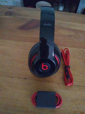 Beats studio 2 wired çlean for Sale in Houston, TX