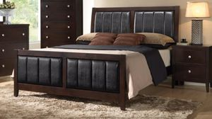 Queen bed frame with mattress and box spring 350$ for Sale in Chicago, IL