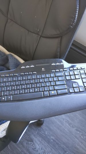 Mk700 logitech wireless keyboard only for Sale in Los Angeles, CA