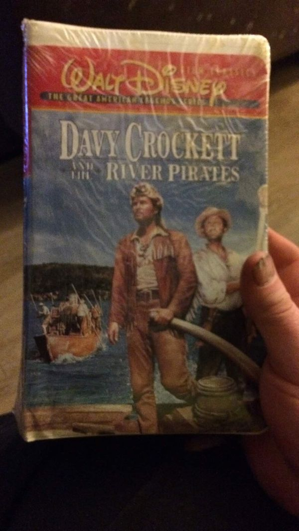 Davey Crockett vhs tape