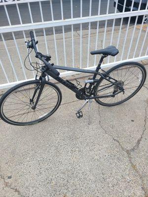 Giant Escape Hybrid Bike w/Accessories for Sale in Palo Alto, CA