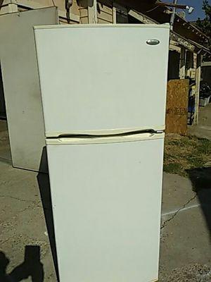 EstudioRefrigerator whirlpool good condition for Sale in San Bernardino, CA