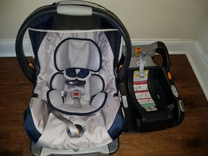 Chicco Keyfit 30 car seat and KeyFit Caddy for Sale in Newtown, PA