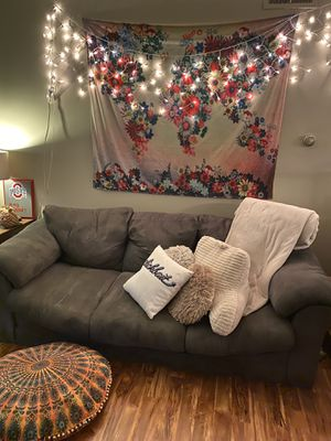 Gray couch for Sale in GRANDVIEW, OH