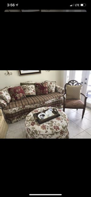 Gorgeous Floral Couch And Ottoman Set. for Sale in West Palm Beach, FL