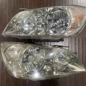 2001-2005 Lexus IS300 OEM Headlights Housings Headlamps Head Lights Lamps 2002 2003 2004 for Sale in Palatine, IL