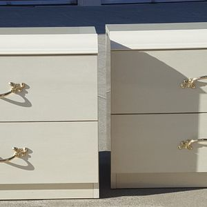 TWO GORGEOUS, WHITE NIGHTSTANDS for Sale in Fairfield, CA