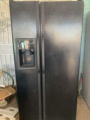 Lg refrigerator for Sale in Phoenix, AZ