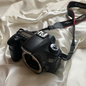 Canon 60D esos digital camera for Sale in Gilroy, CA