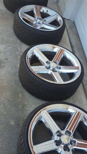 IROC RIMS LIKE NEW 22'RIMS AND TIRES for Sale in Carson, CA