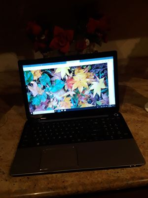 TOSHIBA SATELLITE LAPTOP for Sale in Queens, NY