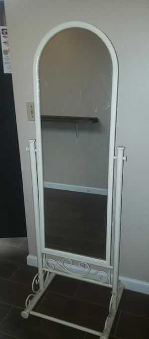 Standing mirror with metal frame ivory color for Sale in Fresno, CA