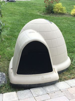 Dog House Igloo for Sale in Middleway, WV