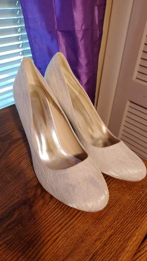 Off white lace wedding heels for Sale in Cleveland, OH
