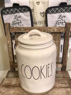 NWT Rae Dunn Cookies Brown Bottom Canister for Sale in Tacoma,  WA