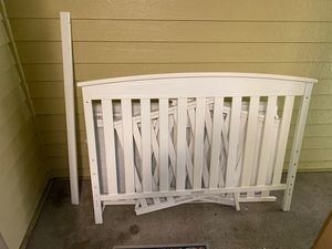 Baby crib comes with all screws and pieces gently used for Sale in Everett, WA