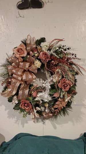 "Silver Deer Handmade Wreath at Curtis Country 24"" battery light up New for Sale in Spanaway, WA"