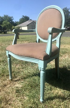 Shabby chic accent chair for Sale in Georgetown, TX