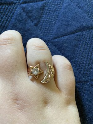 Rose Gold Star & Moon Ring - Size 9 for Sale in Canby, OR