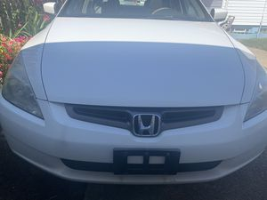 2004 Honda Accord - Excellent condition - Pearl White - Moon Roof - Spoiler - Moving out of state - for Sale in Brook Park, OH